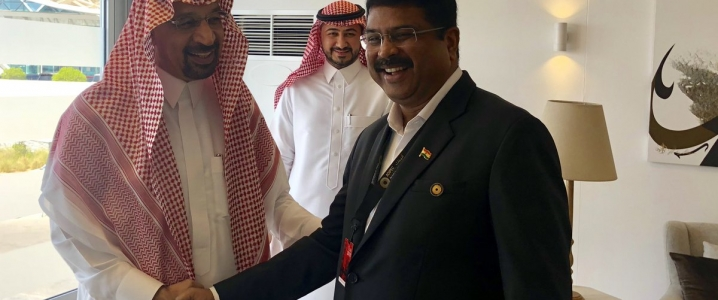 Saudi, Indian Oil Ministers Meet On Saturday thumbnail