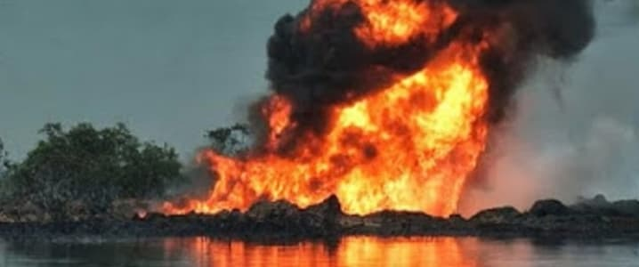 Crude pipeline fire